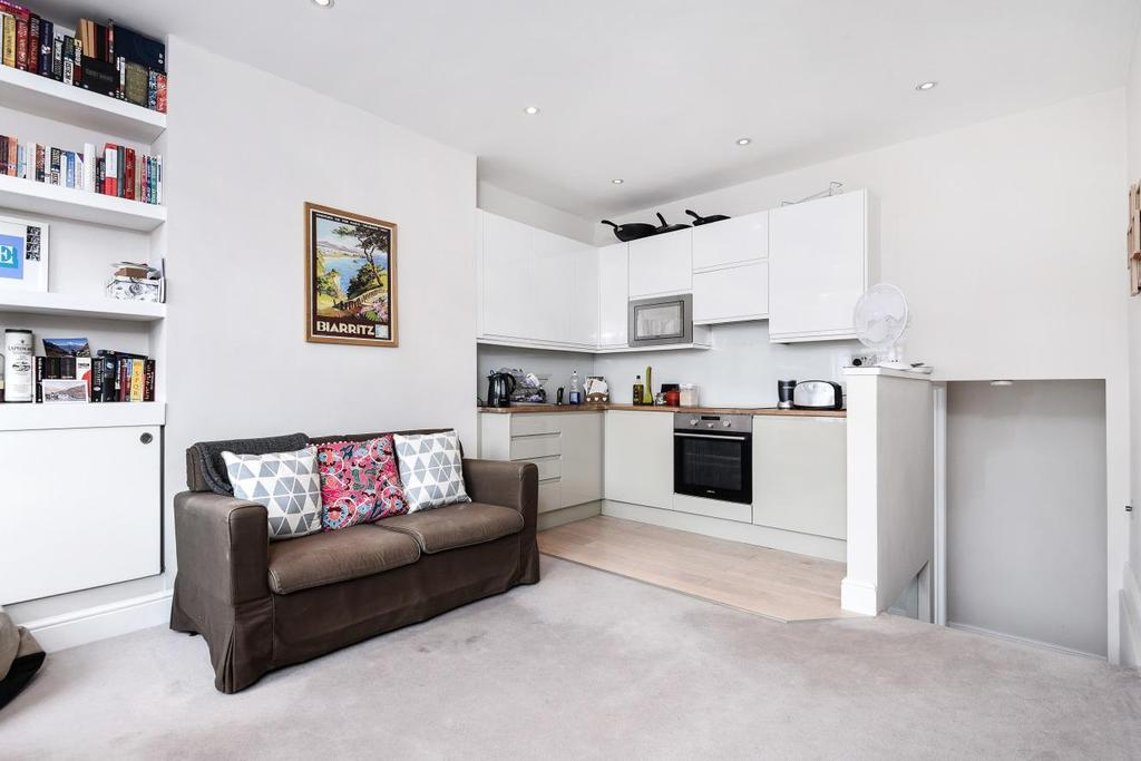 1 Bedroom Flat for sale in Foulser Road, Tooting Bec