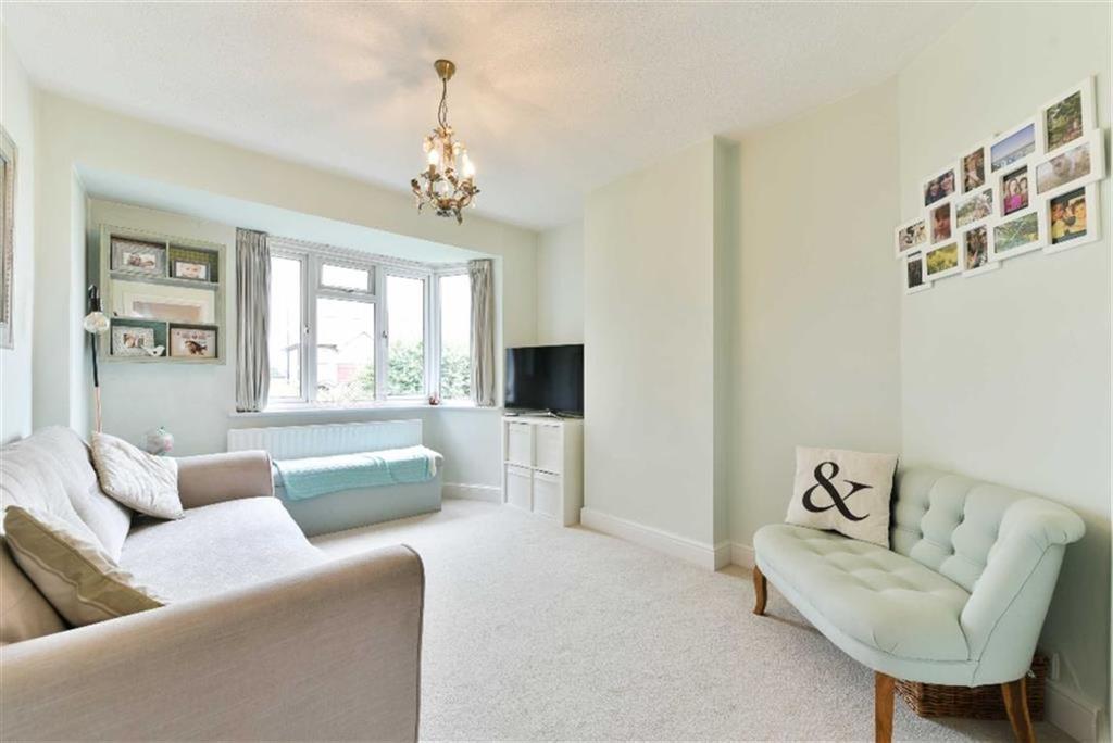 2 Bedrooms Maisonette Flat for sale in The Maisonettes, Sutton, Surrey