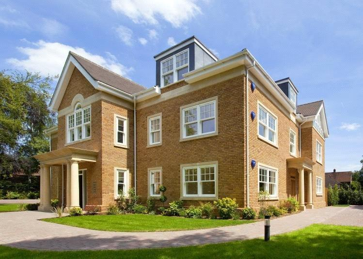 2 Bedrooms Flat for sale in Fairoak House, Fairmile Lane, Cobham, Surrey, KT11