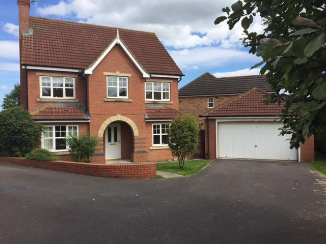 4 Bedrooms Detached House for sale in Houghton Banks, Ingleby Barwick, Stockton-On-Tees