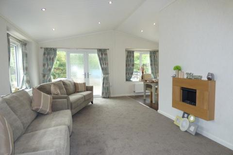 2 bedroom park home for sale - 15 High View, Dales View Park, Salterforth BB18 5SH