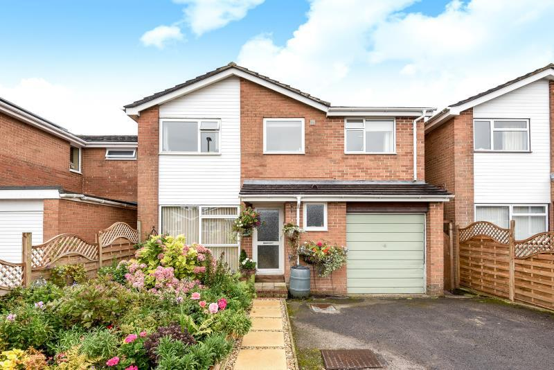 4 Bedrooms Detached House for sale in Edgeworth Drive, Carterton, Oxon