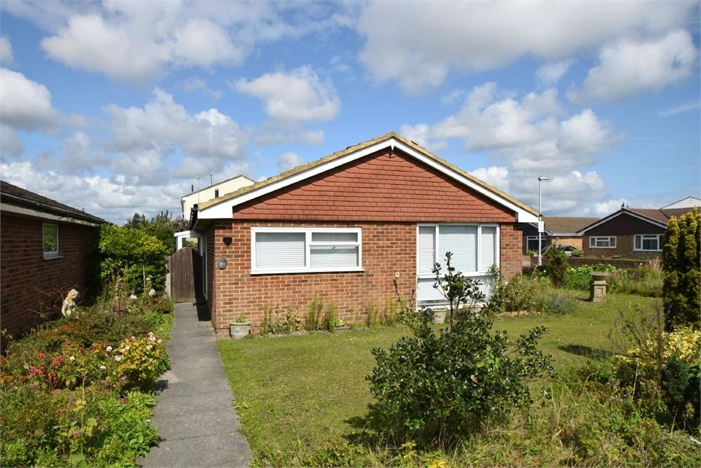 2 Bedrooms Detached Bungalow for sale in Beatty Road, Langney Point, East Sussex