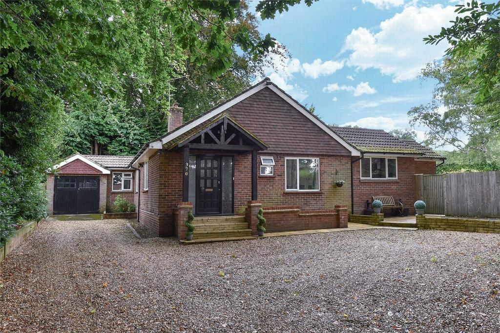 3 Bedrooms Detached Bungalow for sale in Farnborough, Hampshire