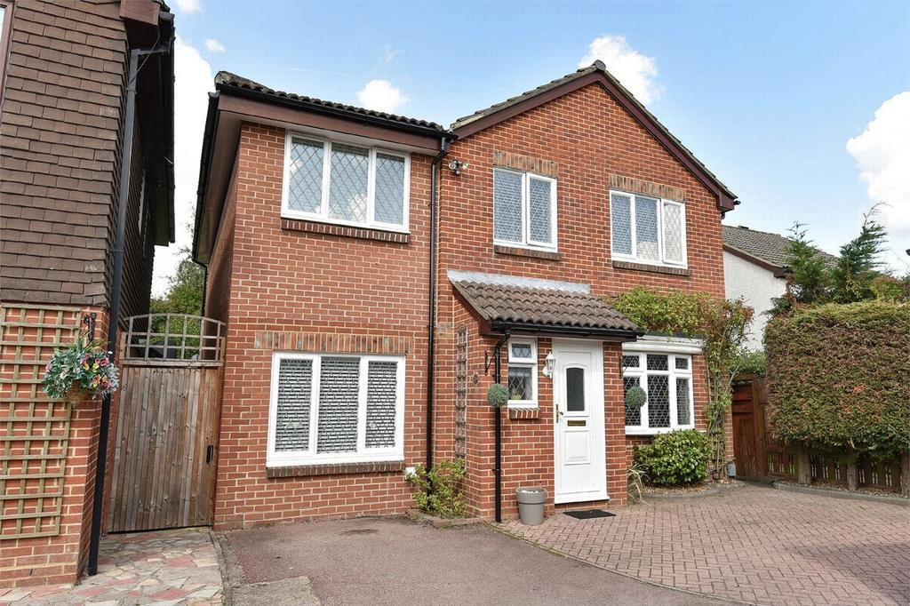 5 Bedrooms Detached House for sale in Farnborough, Hampshire