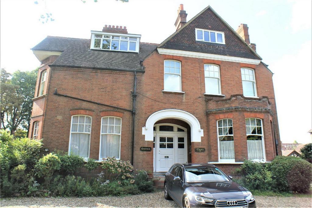 1 Bedroom Flat for sale in 89 Copers Cope Road, Beckenham