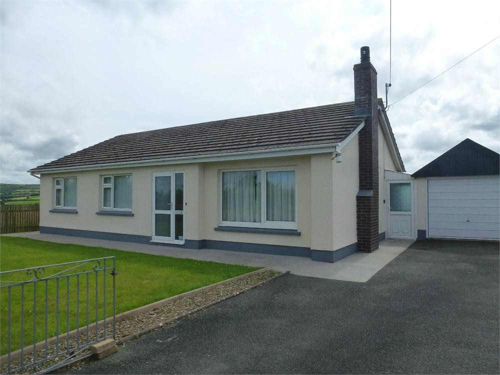 3 Bedrooms Detached Bungalow for sale in Afallon, Boncath, Pembrokeshire