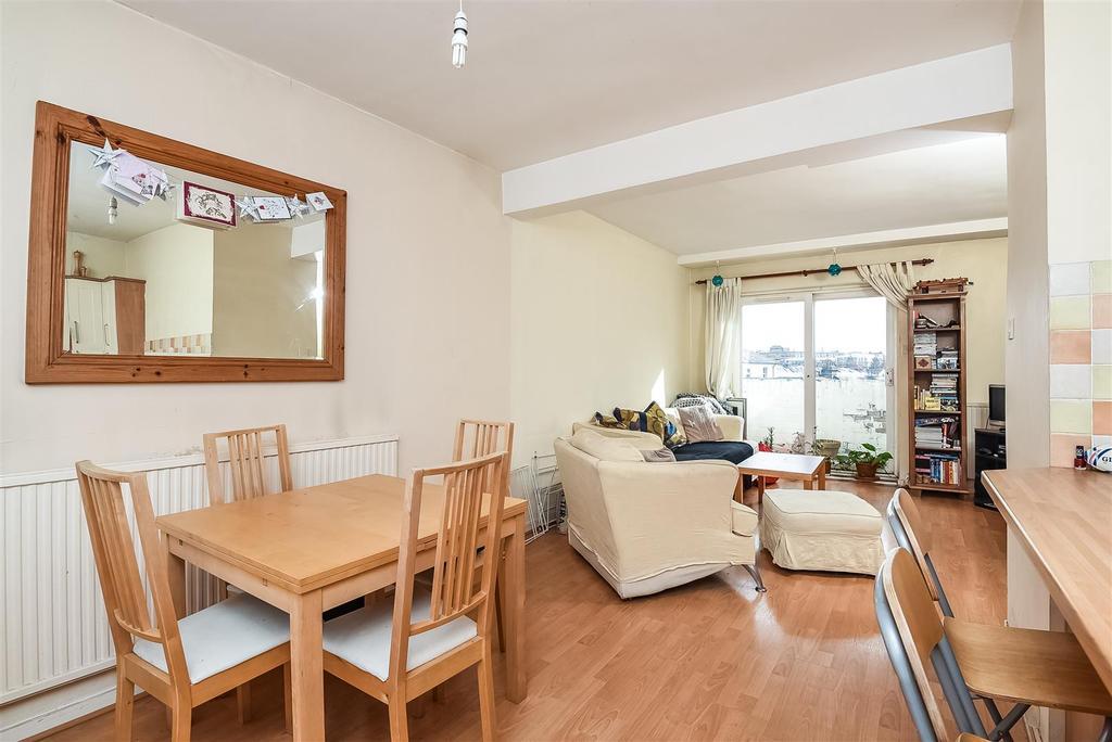 3 Bedrooms Flat for sale in Castelnau, Barnes, SW13