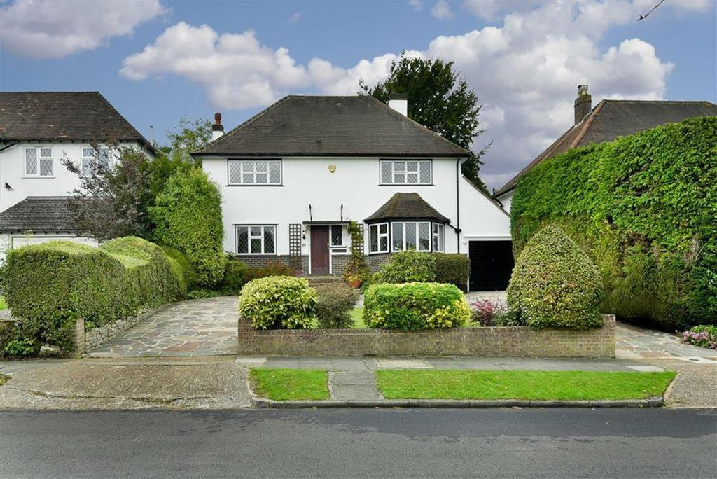 4 Bedrooms Detached House for sale in Walkfield Drive, Epsom, Surrey