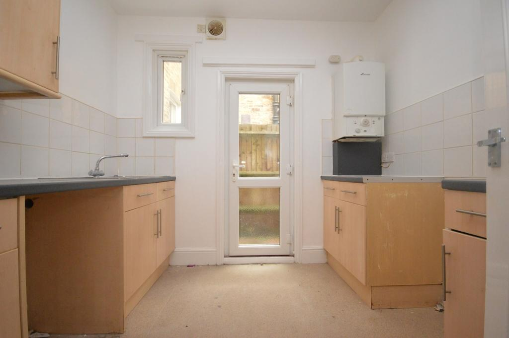 2 Bedrooms Flat for sale in Chudleigh Road London SE4