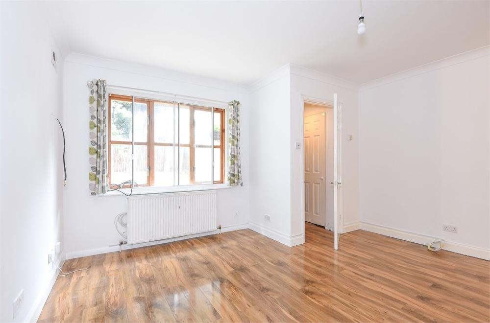 1 Bedroom End Of Terrace House for sale in Lanigan Drive, Hounslow, Greater London