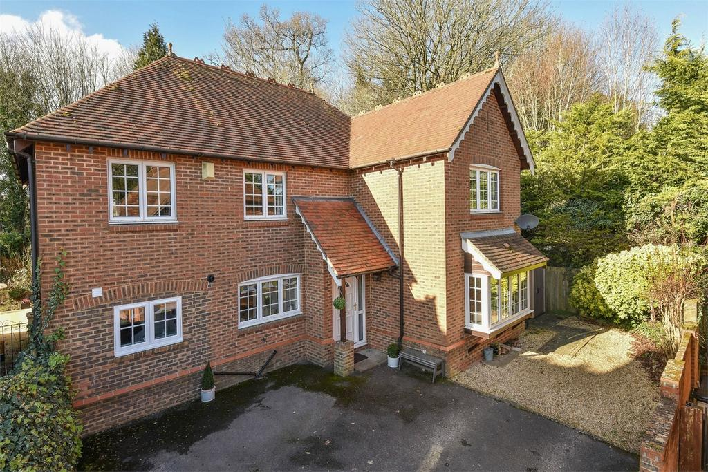 4 Bedrooms Detached House for sale in Hursley, Winchester, Hampshire