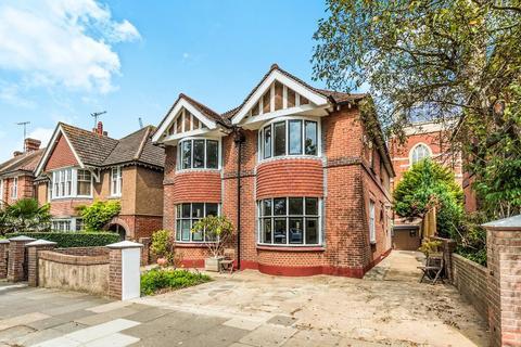 4 bedroom detached house for sale - Nizells Avenue Hove East Sussex BN3