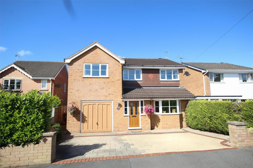 4 Bedrooms Detached House for sale in Mold Road, Mynydd Isa, Flintshire