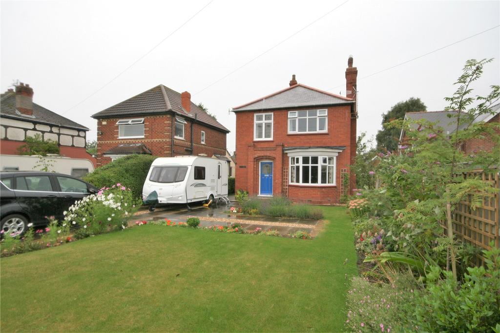 2 Bedrooms Detached House for sale in Grimsby Road, Waltham, DN37