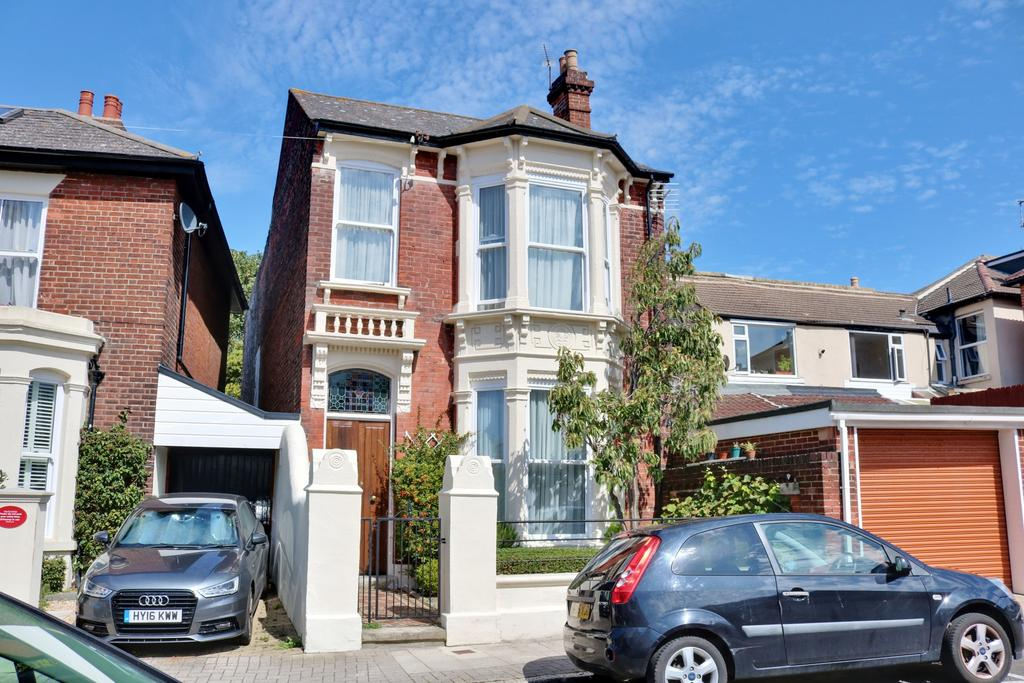 5 Bedrooms Link Detached House for sale in Hamilton Road, Southsea