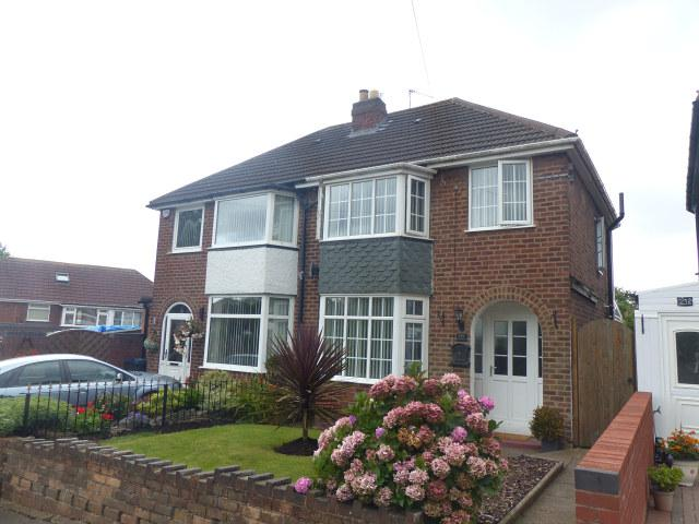 3 Bedrooms Semi Detached House for sale in Charnwood Road,Great Barr,Birmingham