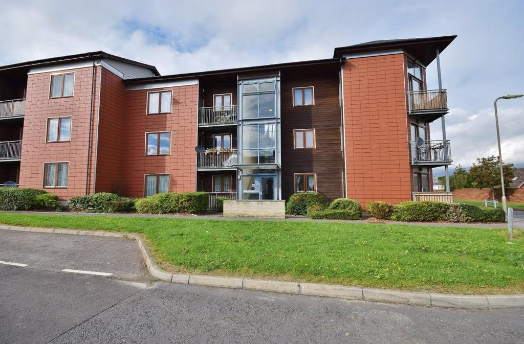 2 Bedrooms Flat for sale in Lefroy Avenue, Basingstoke, RG21