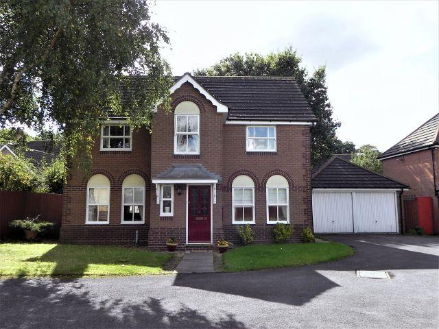 4 Bedrooms Detached House for sale in Warrington Close,Walmley,Sutton Coldfield