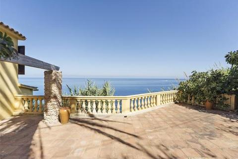 5 bedroom house  - Magnificent House On The Seafront, Banyalbufar, Mallorca
