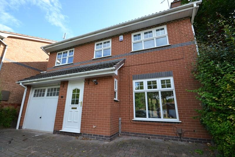 4 Bedrooms Detached House for sale in Foxhollies Drive, Halesowen