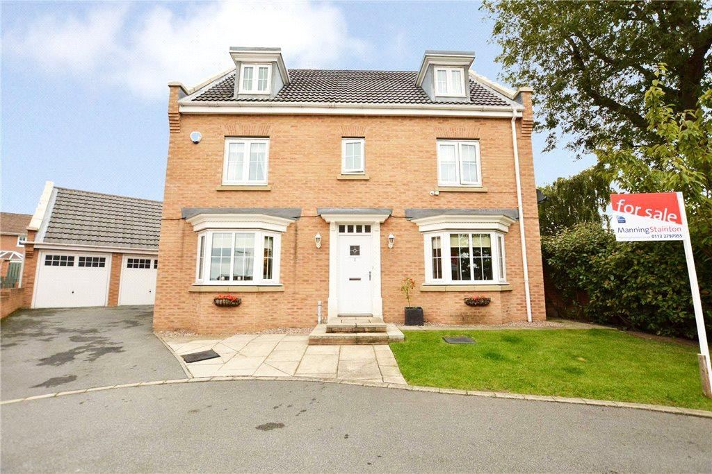 5 Bedrooms Detached House for sale in Swallow Close, Armley, Leeds, West Yorkshire
