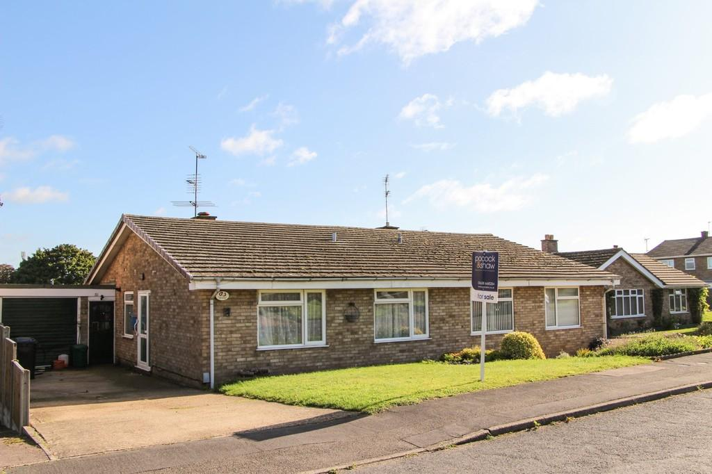 3 Bedrooms Semi Detached Bungalow for sale in 12 Trinity Drive Newmarket