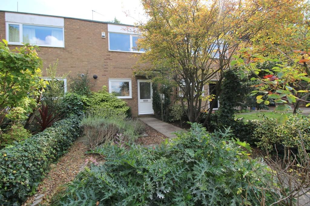2 Bedrooms Terraced House for sale in Winchmore Drive, Cambridge