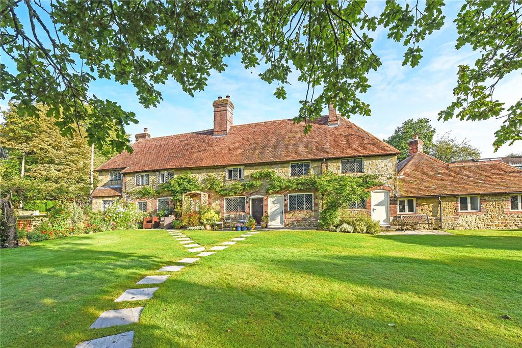2 Bedrooms Terraced House for sale in Bridgefoot Cottages, Stedham, Near Midhurst, West Sussex, GU29