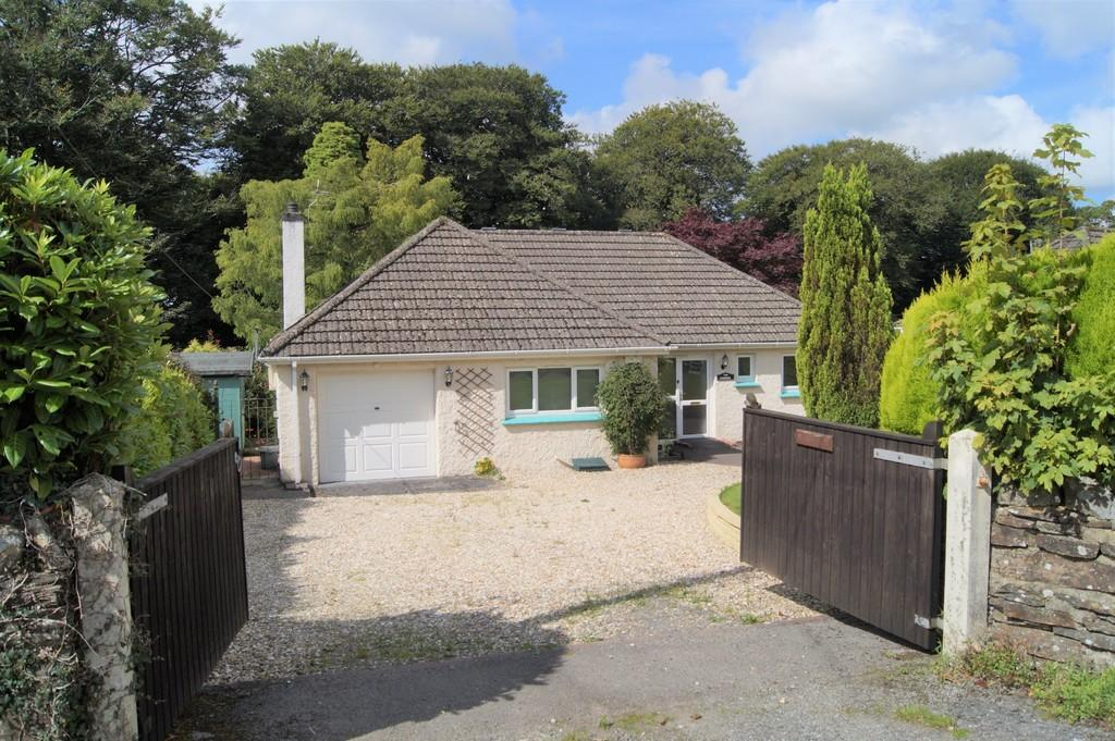 3 Bedrooms Detached Bungalow for sale in Dousland, Yelverton