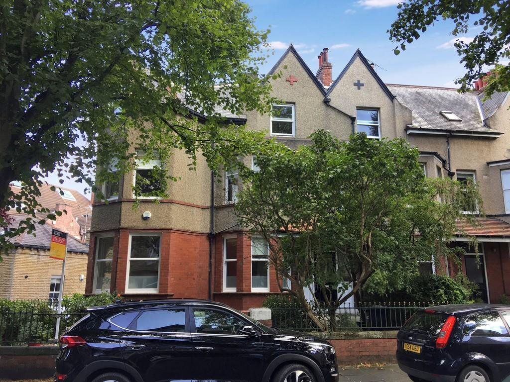 2 Bedrooms Apartment Flat for sale in St Mark's Avenue, Harrogate