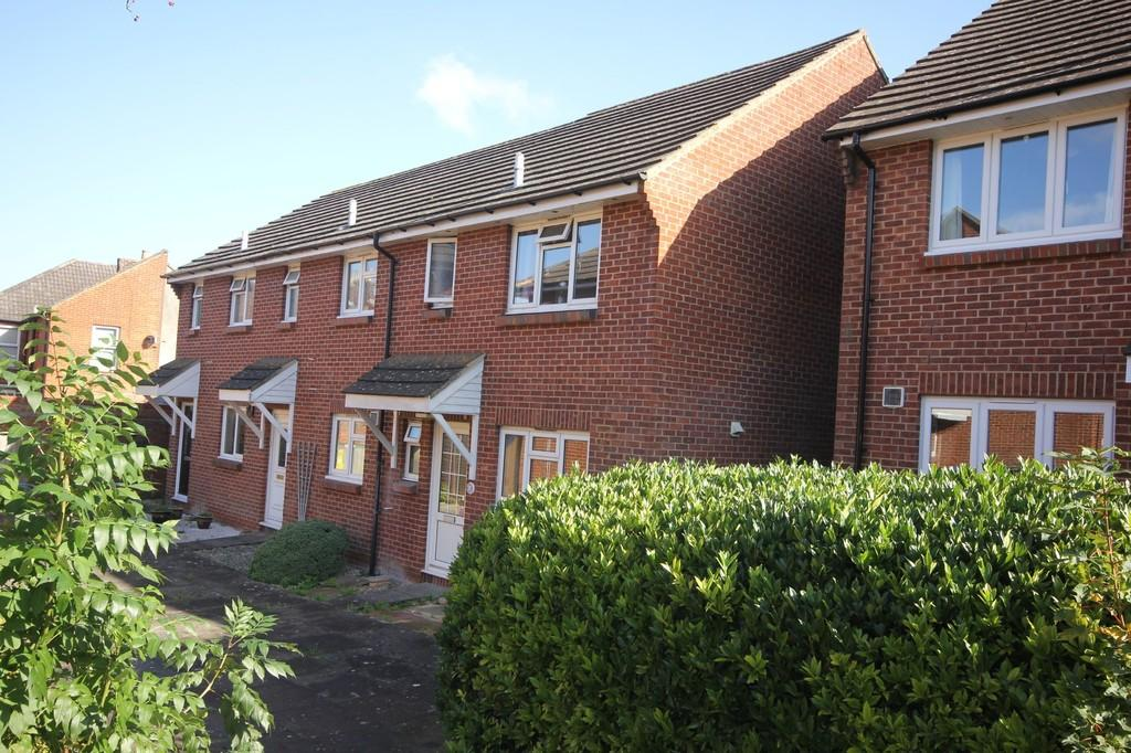 3 Bedrooms End Of Terrace House for sale in RUSSELL ROAD, SALISBURY, WILTSHIRE, SP2 7LR