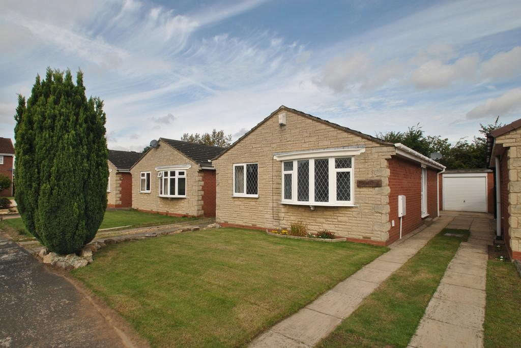 2 Bedrooms Detached Bungalow for sale in Orchard Close, Dunsville, Doncaster