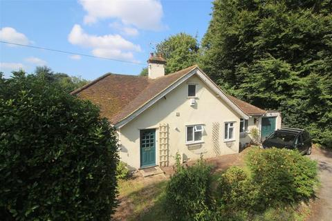 3 bedroom detached bungalow for sale - Great Woodcote Drive, West Purley