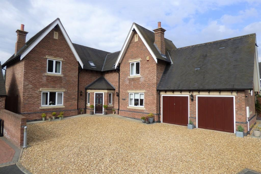 4 Bedrooms Detached House for sale in Rowan Close, Denstone