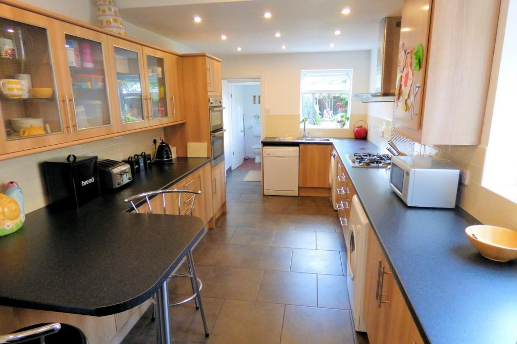 3 Bedrooms Semi Detached House for sale in Outwoods Street, Burton-on-Trent