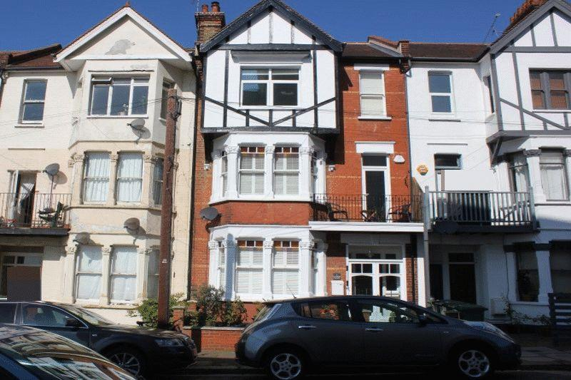 5 Bedrooms Town House for sale in San Remo Parade, Westcliff-On-Sea