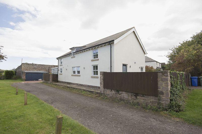 3 Bedrooms Detached House for sale in Newton By The Sea, Alnwick