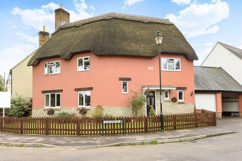 4 Bedrooms Detached House for sale in Marksmead, Drimpton