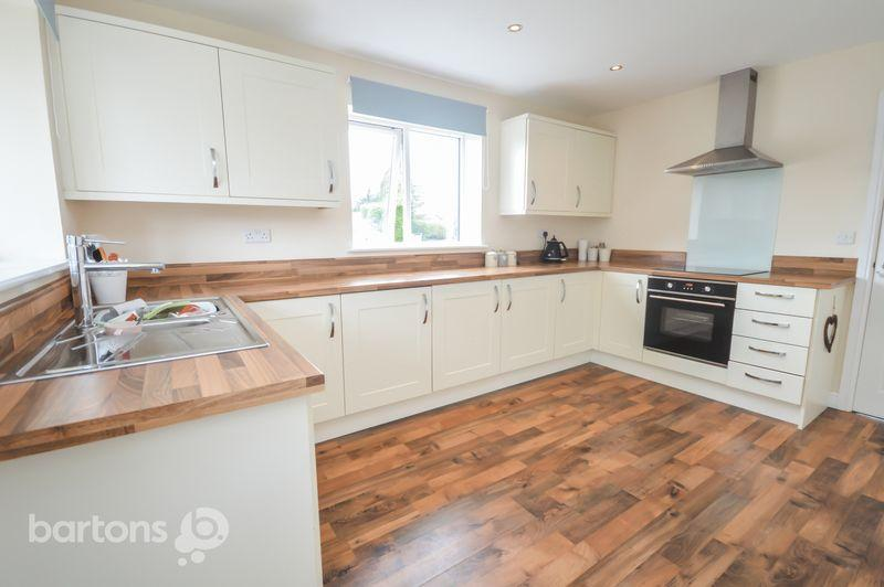 4 Bedrooms Detached House for sale in 1 Whinfell Court, Munsbrough Lane, Greasbrough