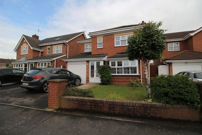 4 Bedrooms Detached House for sale in Acton Grove, Bilston