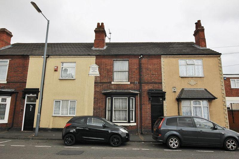 3 Bedrooms Terraced House for sale in Crankhall Lane, Wednesbury
