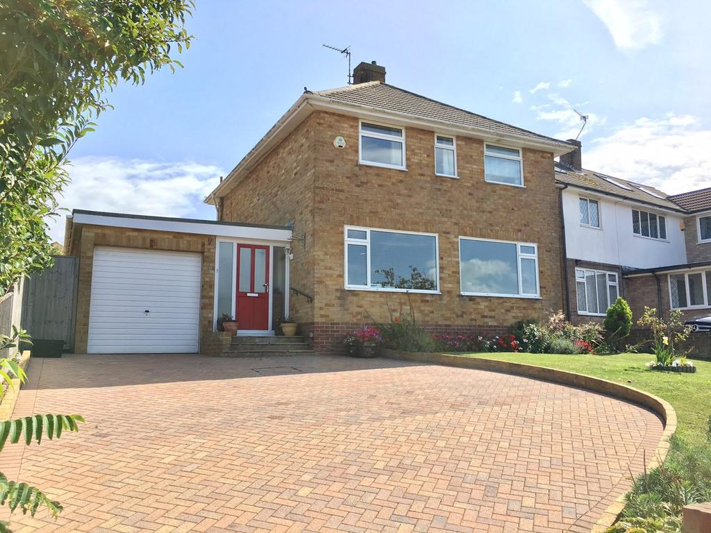 3 Bedrooms Detached House for sale in Cobbold Avenue, Old Town, Eastbourne, BN21