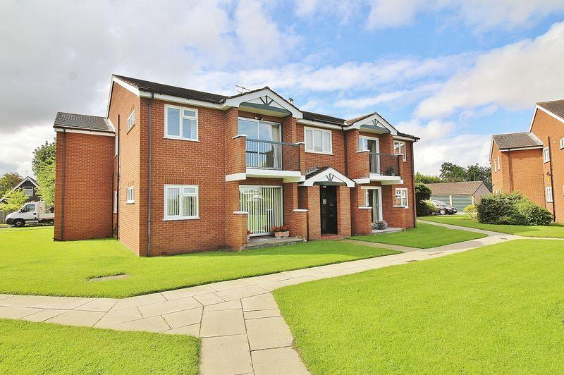 3 Bedrooms Apartment Flat for sale in Windermere Crescent, Ainsdale
