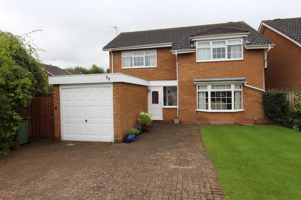 4 Bedrooms Detached House for sale in Starbold Crescent, Knowle