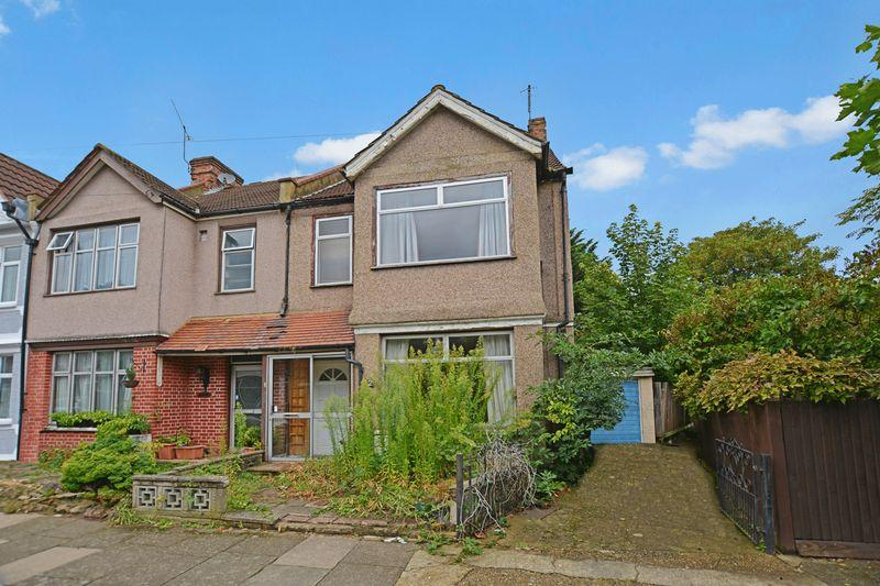 3 Bedrooms Semi Detached House for sale in Colbeck Road, West Harrow