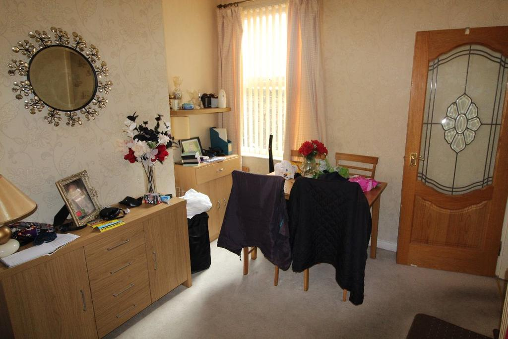 3 Bedrooms Terraced House for sale in Bell Street, L13 2DP