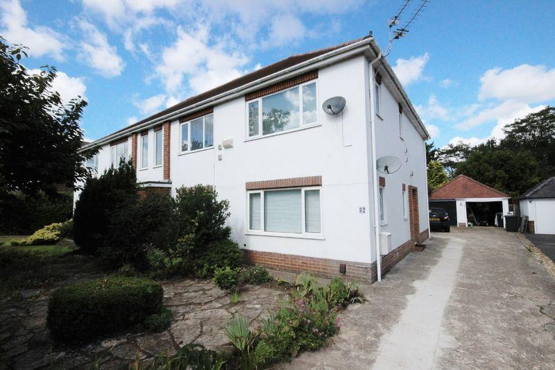 2 Bedrooms Flat for sale in Cooper Dean Drive, Queens Park, Bournemouth