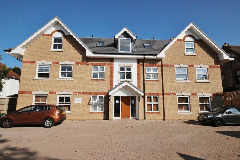 2 Bedrooms Flat for sale in Twynham Road, Southbourne, Bournemouth
