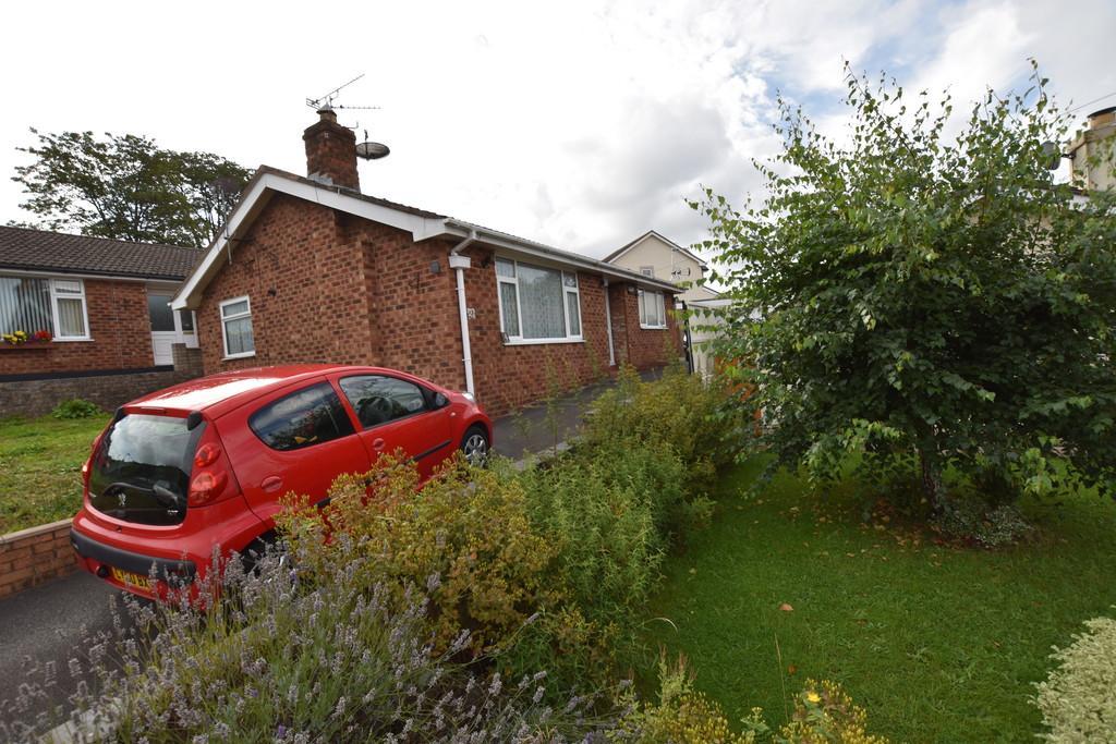 2 Bedrooms Detached Bungalow for sale in Nant Y Glyn, Llandudno Junction